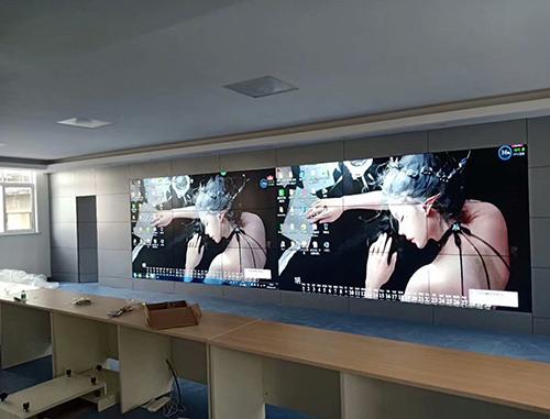 山东枣庄广播影视总台三星55寸3.5mm3X6拼接屏